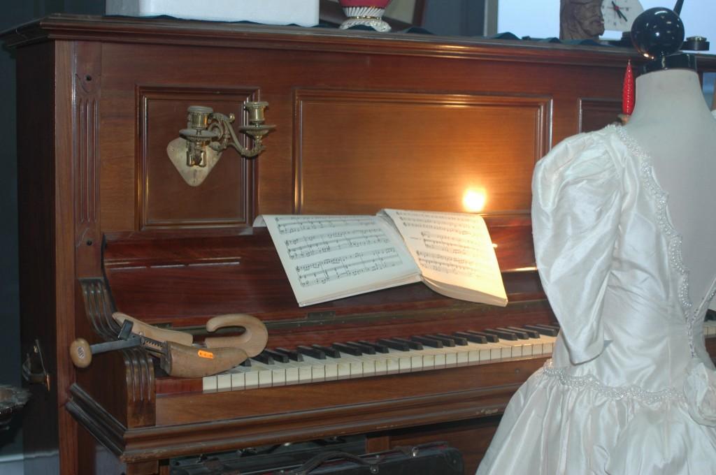 piano y vestido de novia